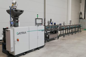 Extrusion line for tubes